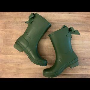 SOLD Lemon laced calf rain boots-green